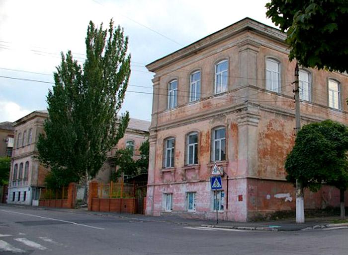 Mariinskaya-zhenskaya-gimnaziya-mariupol